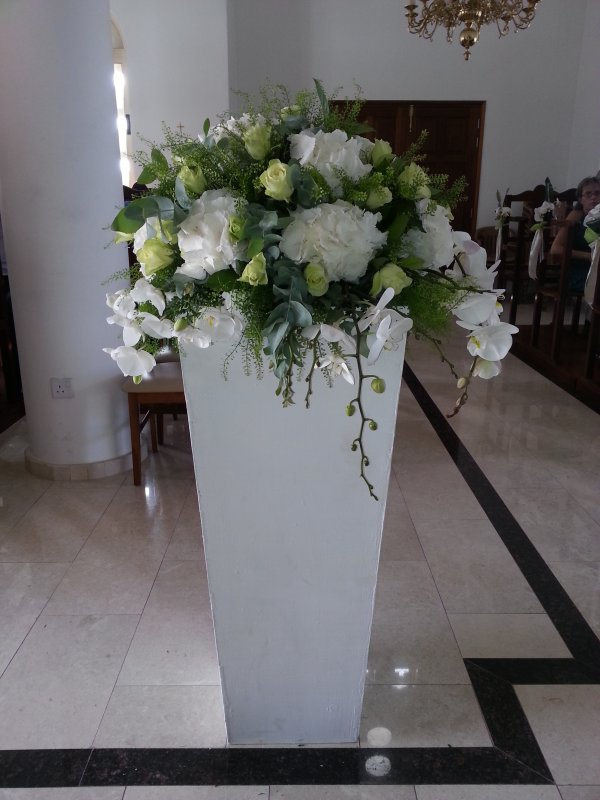 Civil Weddings Pillars Wedding Flowers Annivia Gardens In Paphos