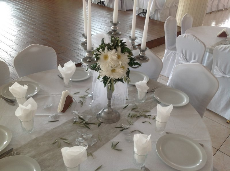 Traditional weddings wedding dinner decorations for Wedding dinner decoration ideas